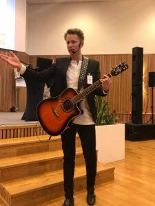 Entertainer Andreas underhåller eventgäster